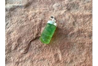 Natūralaus Fluorito (žaliasis) pakabukas sidabre